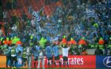 与乌拉圭球迷欢庆