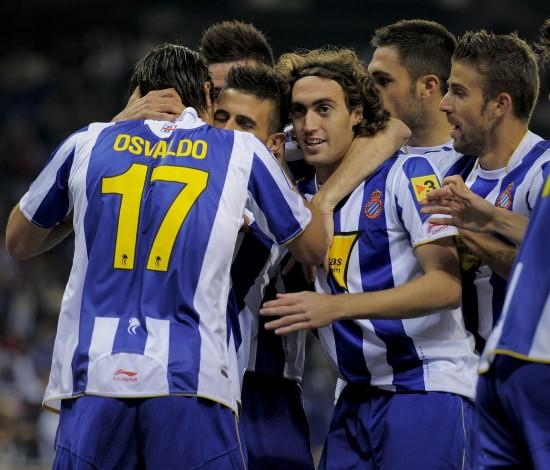 图文-[西甲]西班牙人1-0马拉加 队员们庆祝进球
