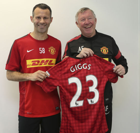 吉格斯不久前刚与曼联续约一年