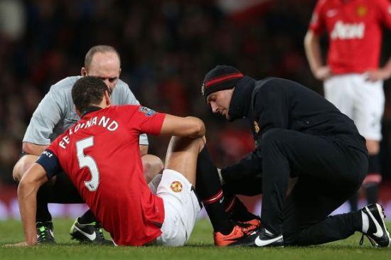 费迪南德在足总杯上受伤