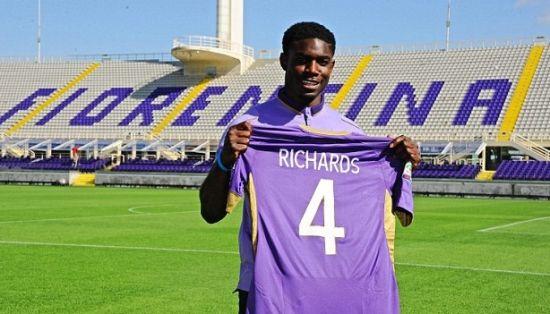 理查兹加盟紫百合