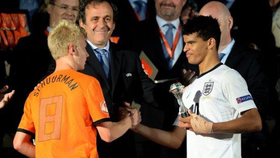 今年5月索兰克(右)获欧洲U17锦标赛金靴奖