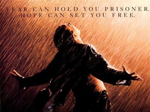 《肖申克的救赎》海报 电影一直传达希望与救赎的故事