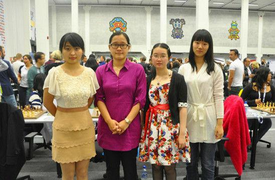 中国女队赛前合影(摄影:张继林)
