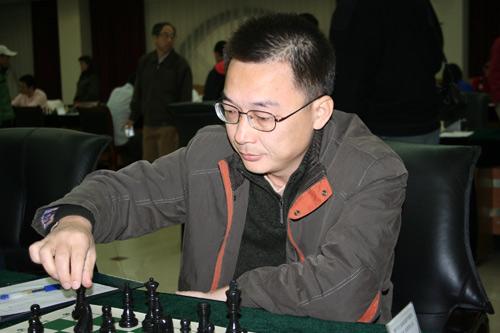 图文-2007国象甲级联赛第17轮彭小民风度翩翩