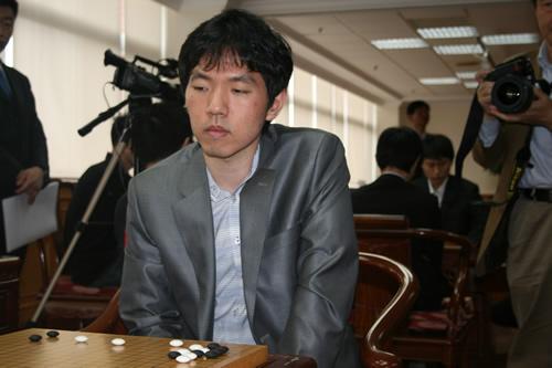 图文-应氏杯8强战现场聚焦李昌镐气定神闲