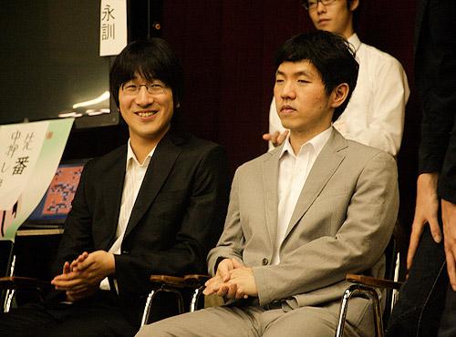 图文-富士通杯颁奖现场聚焦韩国棋手的胜利