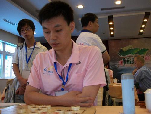 许银川象棋�:-f����,,_图文-象棋甲级联赛首轮现场 许银川全力以赴