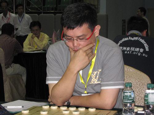 图文-杨官�U杯第4轮现场新加坡棋手康德荣