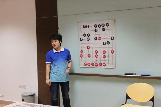 党斐为新加坡棋友讲棋