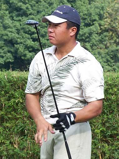[常识]高尔夫礼仪第一课保持安静控制打球速度