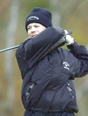 冬天打高尔夫球知识手册注意保暖和保护球杆