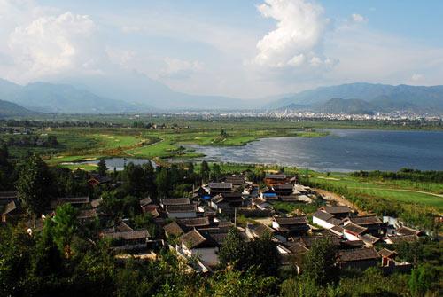 风景这边独好丽江风景迷人球道各具特色耐人寻味