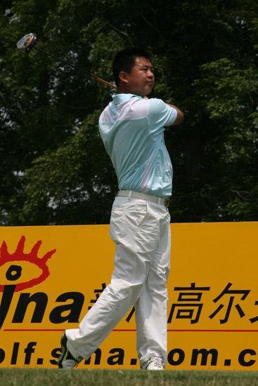 陈小马痛失七杆优势樊志鹏上海锦标赛并列领先