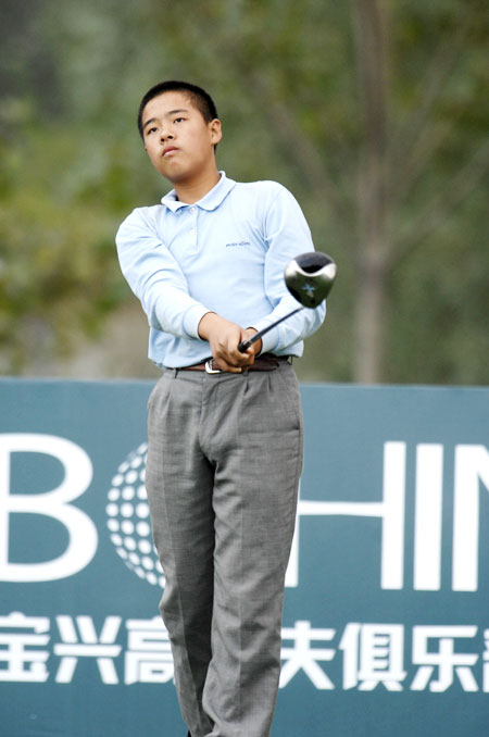 中国高尔夫未来之星张进勤学苦练以伍兹为楷模