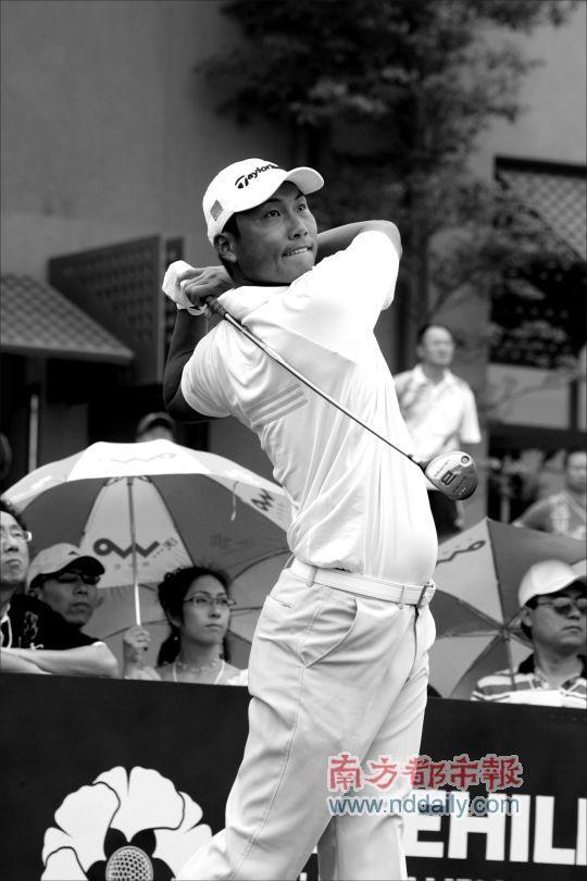 国家队球员备战亚运会非奥运项目高尔夫有点另类