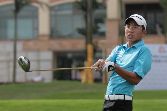 新加坡球手探秘中国赛场胡杰齐汇丰青少年赛获第7