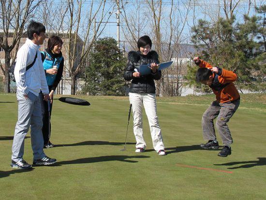 高尔夫频道 中国报道 青少年赛事 正文    新浪体育讯 在3月27日天一