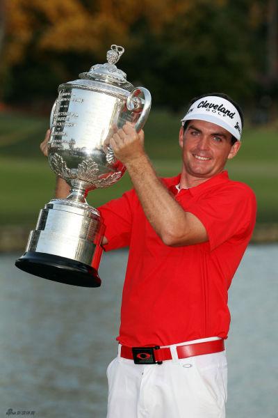 布拉德利2011年在PGA锦标赛上夺冠