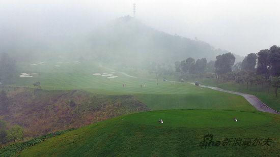 11月10日,广东省政府出台的《广东省高尔夫球场清理整治名单》再次