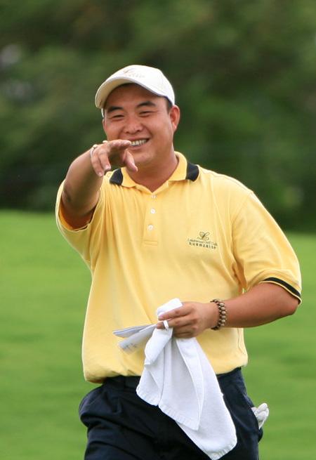 07年高尔夫风云榜5李超中巡赛交织着成功与争论