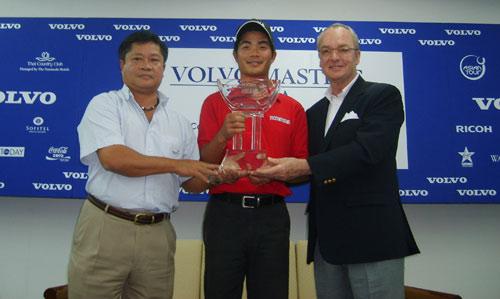 图文-VOLVO亚洲大师赛决赛轮派亚特十分开心