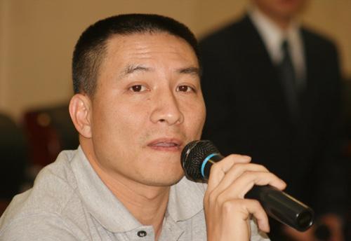 图文-别克俱乐部联赛工作会议深圳高协代表发言
