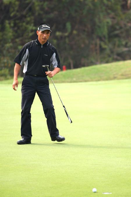 图文-欧米茄中巡赛广州锦标赛决赛轮吴伟煌