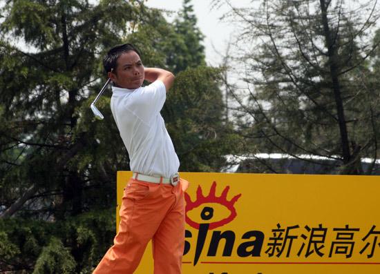 图文-上海锦标赛第三轮元天抿嘴发力