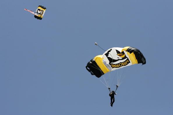 图文-AT&T全国锦标赛前瞻跳伞打开比赛前奏