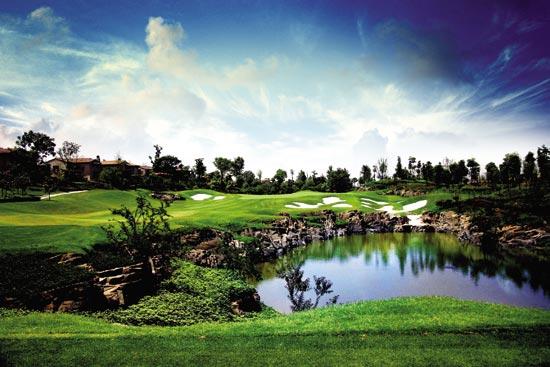 图文-麓山国际乡村高尔夫俱乐部二号洞的美景