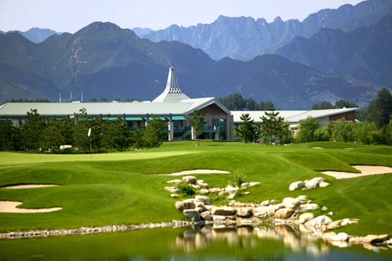 图文-华彬高尔夫俱乐部美景西山脚下的优雅园林