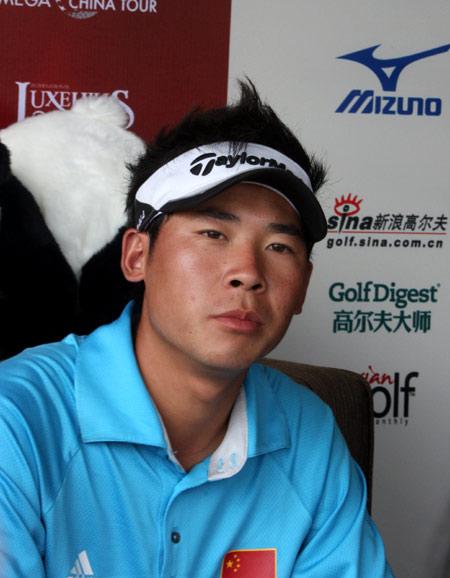 图文-中巡赛麓山锦标赛第一轮张新军67杆暂列榜首