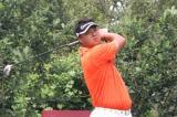 图文-中巡麓山锦标赛第二轮高磊在14号洞开球