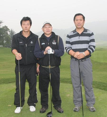 图文-俱乐部联赛总决赛第二轮同组选手合影