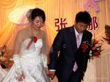 图文-女子高尔夫球员张娜婚礼举行新郎新娘手拉手