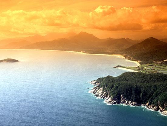 图文-南燕湾高尔夫球会美景斜阳映红海面