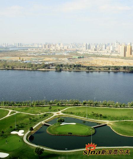 图文-沈阳江南高尔夫俱乐部美景 俯瞰球场全景