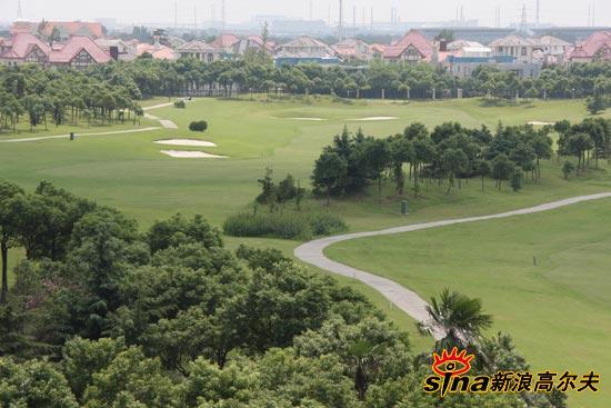图文-青岛旗忠高尔夫俱乐部美景别墅边的球场上海便宜别墅最图片