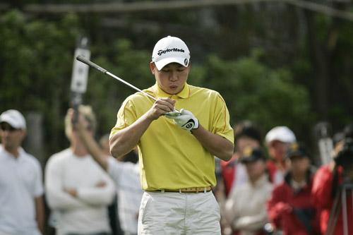 图文-索菲特钟山公开赛第三轮中国球员袁浩