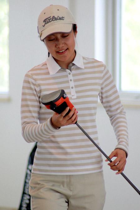 图文-Monday高尔夫训练赛移师北京女球手获奖