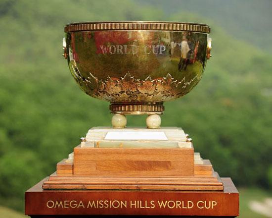 图文-高尔夫世界杯第三轮花絮奖杯提前亮相