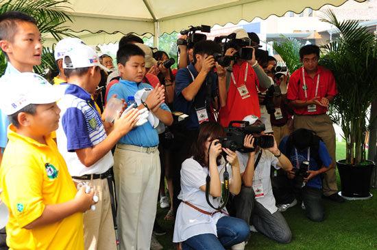 球员媒体共同关注