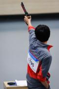 图文-男子10米气手枪个人 金清荣比赛中