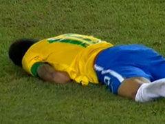 视频-葡萄牙铁卫防守下黑肘 内马尔痛苦倒地翻滚