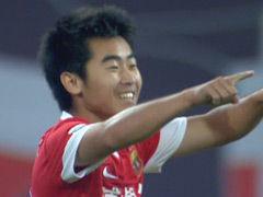 进球视频-东亚长传打身后 郑达伦推射破空门