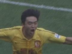 进球视频-埃神胸部做球 赵旭日前插低射拔头筹