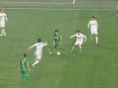 视频-王晓龙连过4人送妙传 点球点补射遗憾打高