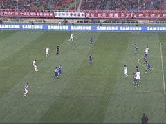 视频-莫雷诺射门得分被吹越位 慢镜显示存争议