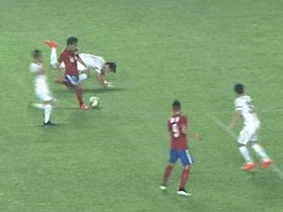 视频-建业断球打反击 雷永驰连过2人推射憾中柱